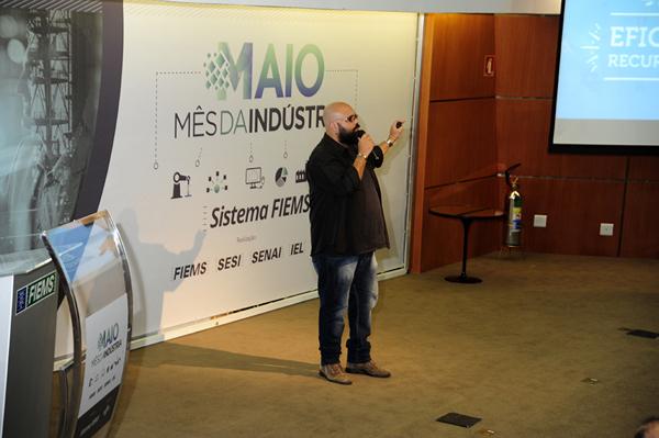 Álvaro Vasques é profissional com mais de 15 anos de atuação no mercado on-line de Mato Grosso do Sul