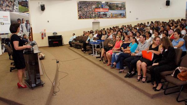 """Foi apresentada essa semana, no Centro de Formação, a proposta do programa """"Escola Segura, Família Forte"""""""