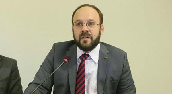 Erick Venâncio e Leonardo Accioly (foto) receberam, cada um, 25 votos favoráveis e apenas um contrário