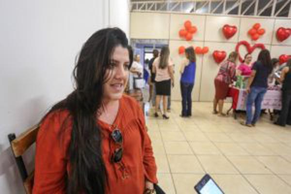 Responsável pela ação de dia das mães, a superintendente de Gestão de Pessoas, Maria Lucélia Lima