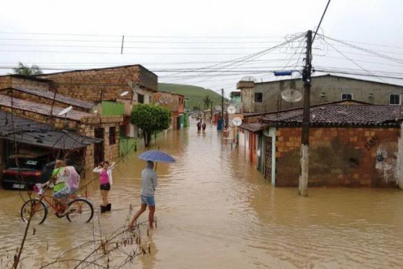 Fortes chuvas deixaram famílias desabrigadas e desalojadas em Ribeirão (PE)