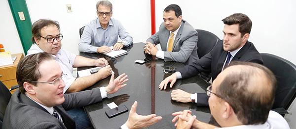 Reunião da OAB com Junta Comercial