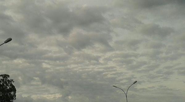 Céu nublado na capital