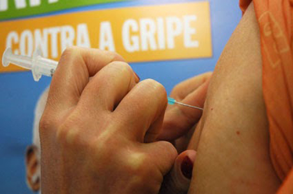 A vacina está disponível até o dia 26 de maio