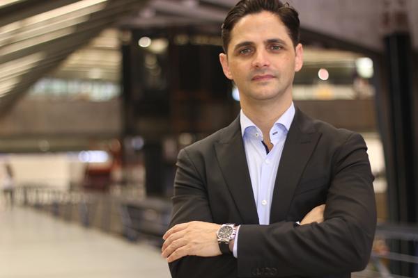 Uesley Lima é também trader da Bolsa de Valores, consultor financeiro, palestrante e empresário