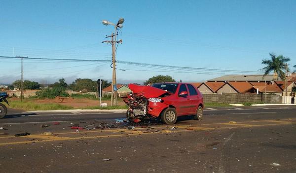 Vítima estava em carro que ficou com a frente destruída
