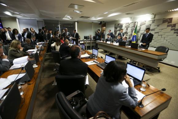Brasília - A Comissão de Assuntos Econômicos (CAE) do Senado se reúne para votar a proposta de reforma trabalhista (Marcelo Camargo/Agência Brasil)