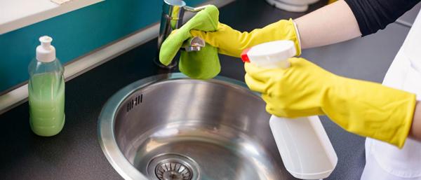 Nas primeiras 24 horas do experimento houve uma eficiência do hipoclorito de sódio na mortalidade dos mosquitos nas diferentes concentrações de 1,0 ml, 2,0 ml e 3,0 ml por litro de água