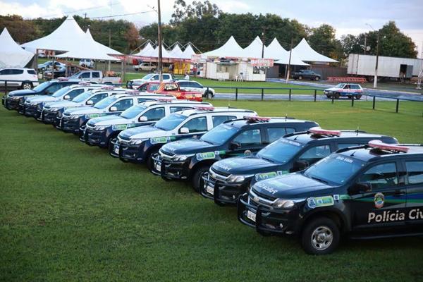 Em Maracaju, oito municípios receberam viaturas do programa MS Mais Seguro, num total de 17 veículos