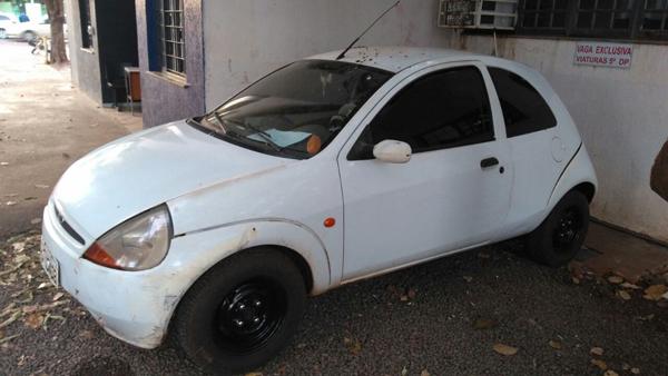 Carro usado em entrega de medicamento vendido ilegalmente