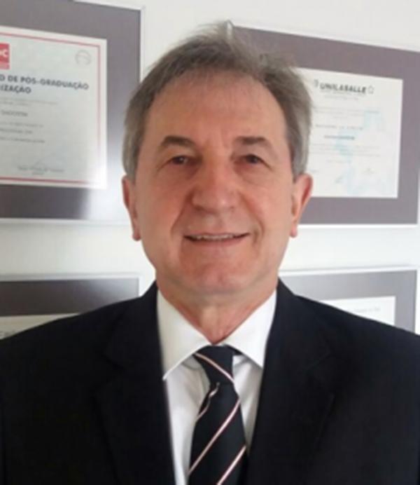 Salézio Dagostim é contador; pesquisador contábil; professor da Escola Brasileira de Contabilidade (EBRACON); autor de livros de Contabilidade; presidente da Associação de Proteção aos Profissionais Contábeis do Rio Grande do Sul