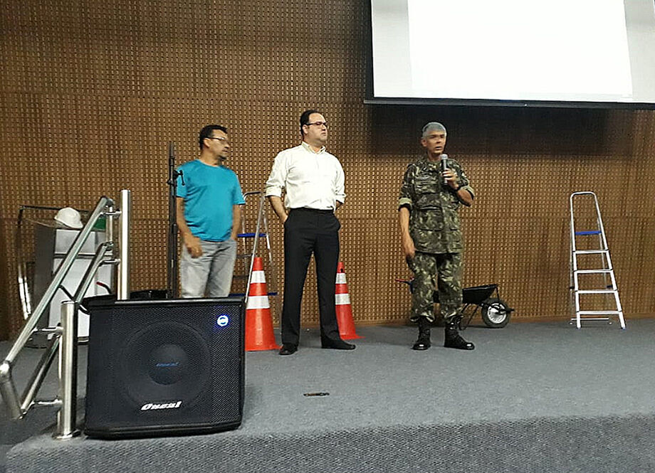 Escola da Construção inicia dois cursos gratuitos para soldados