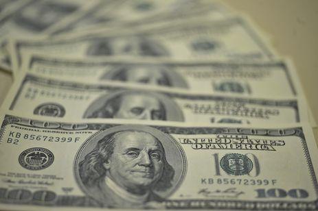 Dólar fechou a quarta-feira vendido a R$ 3,8811