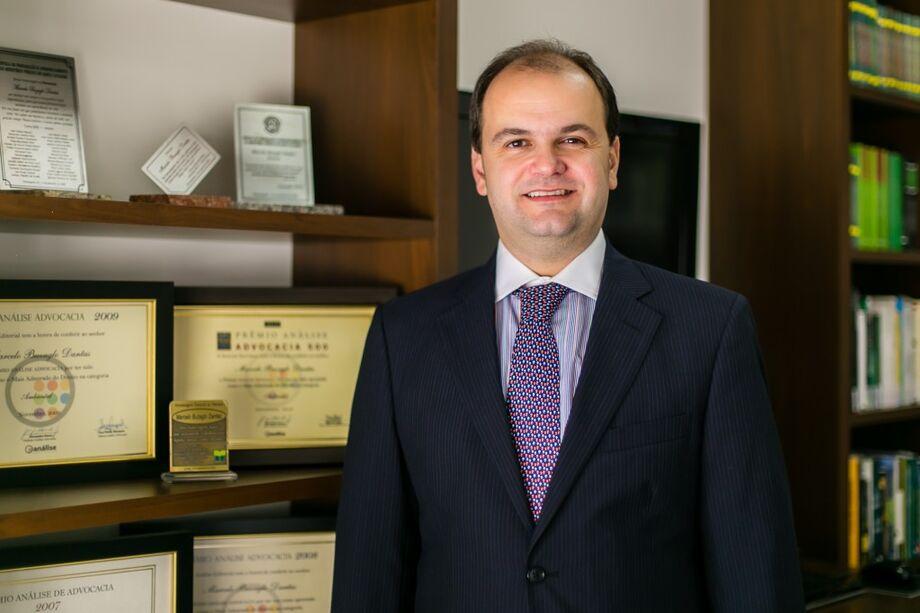 Marcelo Buzaglo Dantas, advogado, Pós-Doutor em Direito Ambiental. Sócio da Buzaglo Dantas Advogados.