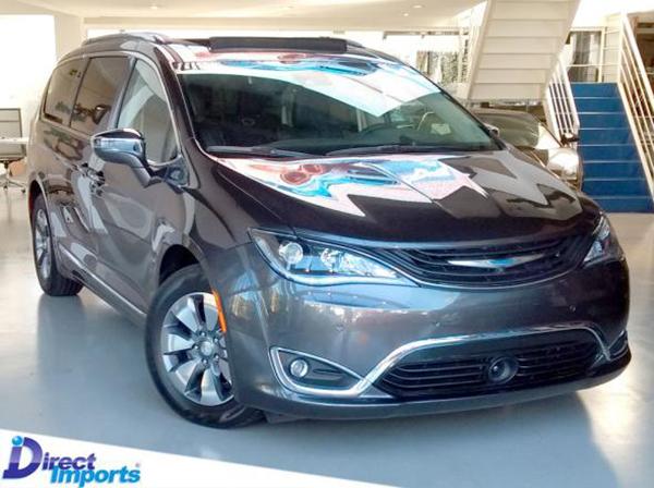 A minivan chegou ao mercado norte-americano para substituir o já conhecido Town&Country.