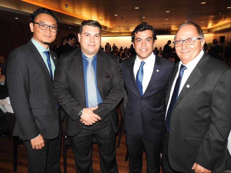 diretoria da Acomasul e presidente do Sindimóveis com deputado federal, Beto Pereira