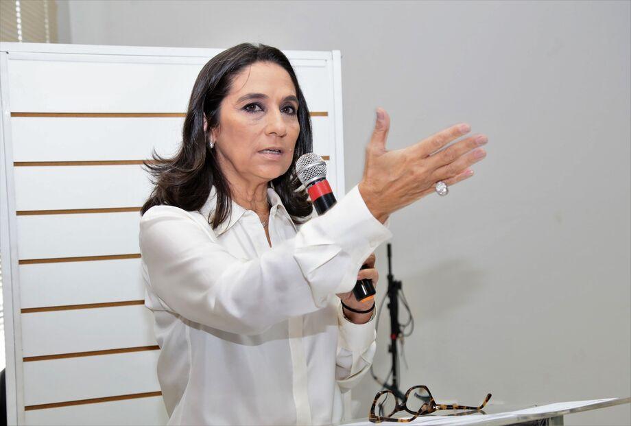 A subsecretária de Políticas para a Mulher, Carla Stephanini.