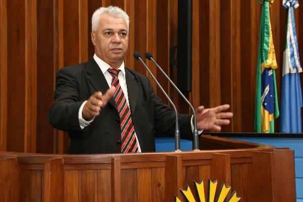Cabo Almi começou os debates sobre a Reforma da Previdência e a orientação do MEC às escolas sobre civismo