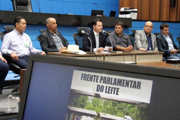 Frente Parlamentar do Leite realizou a primeira reunião nesta terça-feira para dar posse a integrantes