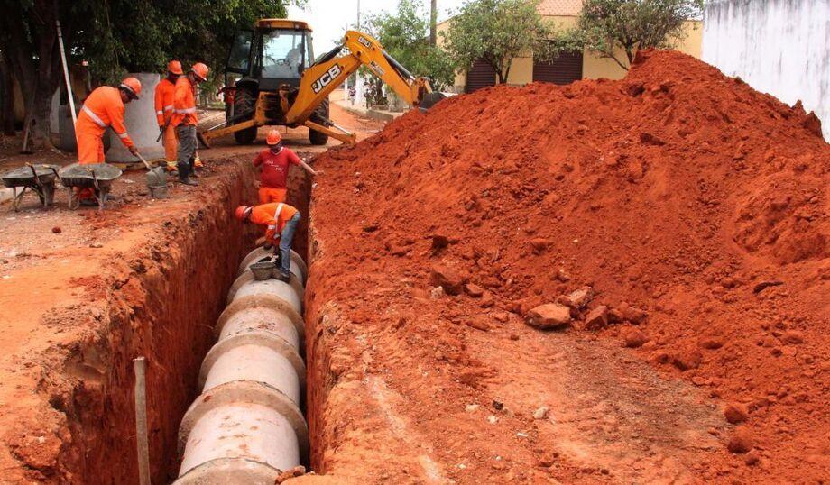 O governo federal adiou para 2022 o prazo final para que os municípios brasileiros elaborem seus planos de saneamento básico