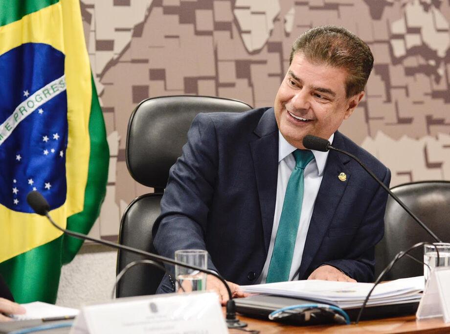 Senador Nelsinho Trad anuncia verba federal para saúde
