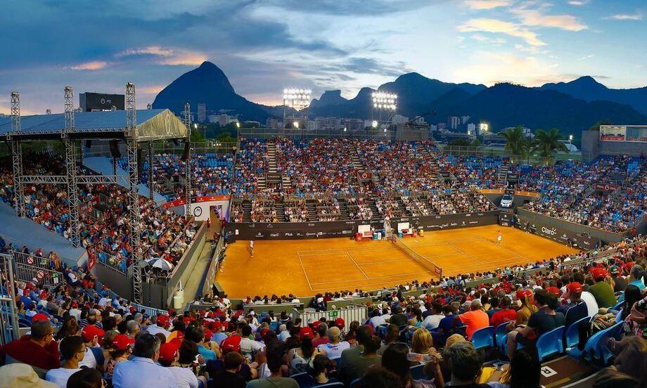 A chuva foi a maior protagonista da sexta-feira no Rio Open