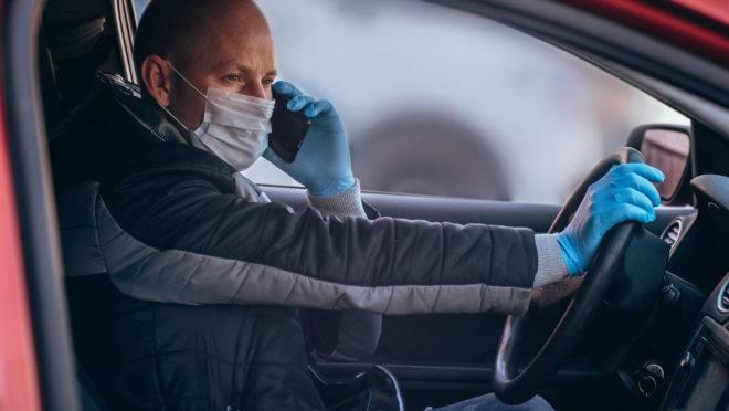 Motoristas parceiros precisam passar por uma checagem com uma selfie para saber se estão utilizando uma máscara