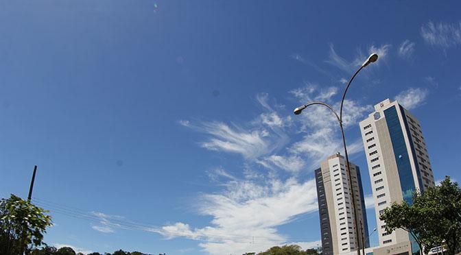 ara a Organização Mundial de Saúde (OMS), o índice ideal da umidade relativa do ar varia entre 50% e 80%.