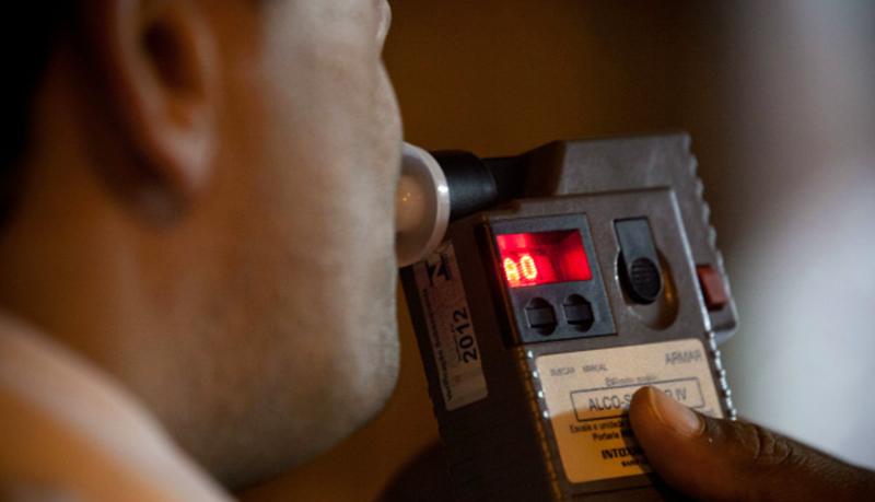 Dirigir sob o efeito de bebida alcoólica passou a ser crime no Brasil em 2007 e desde então, vários agravantes foram sendo incorporados ao CTB (Código Brasileiro de Trânsito)