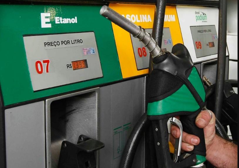 Na comparação mensal, os preços do etanol cederam em 12 Estados e subiram em outros 14 Estados e no Distrito Federal.