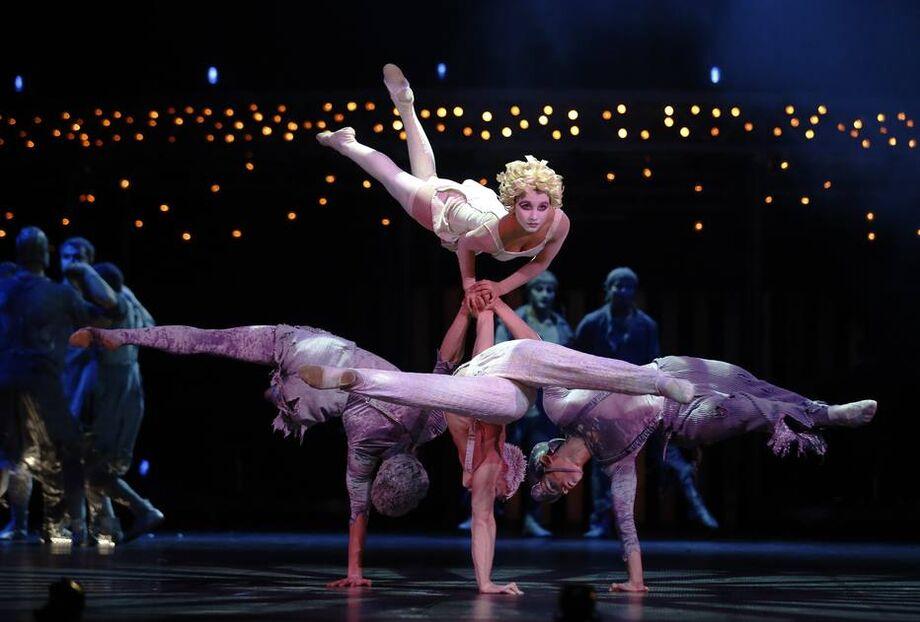 Artistas no ensaio de 'Quidam', do Cirque du Soleil, em 2014