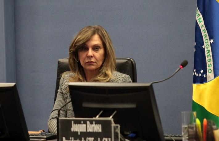 A subprocuradora-geral da República, Lindôra Araújo