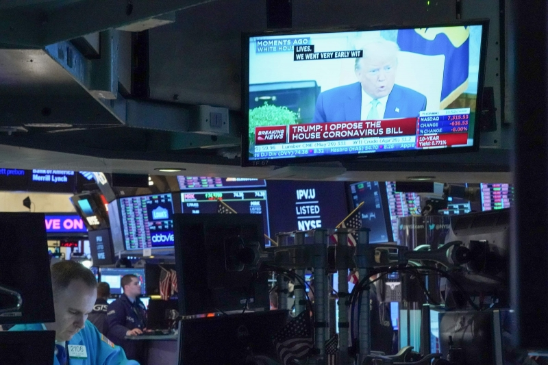 As bolsas de Nova York tiveram abertura mista, mas ganharam fôlego e fecharam com ganhos superiores a 1%, no caso dos índices S&P 500 e Nasdaq, e a 2%, no caso do Dow Jones