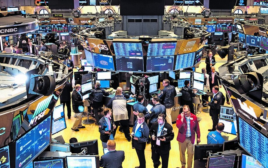 O índice Dow Jones avançou 0,85%, a 25.812,88 pontos, o S&P 500 subiu 1,54%, a 3.100,29 pontos, e o Nasdaq ganhou 1,87%, a 10.058,77 pontos