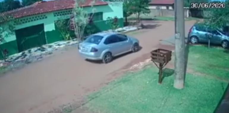 Captura do suposto carro que vem aterrorizando as mulheres no Tiradentes e Itamaracá