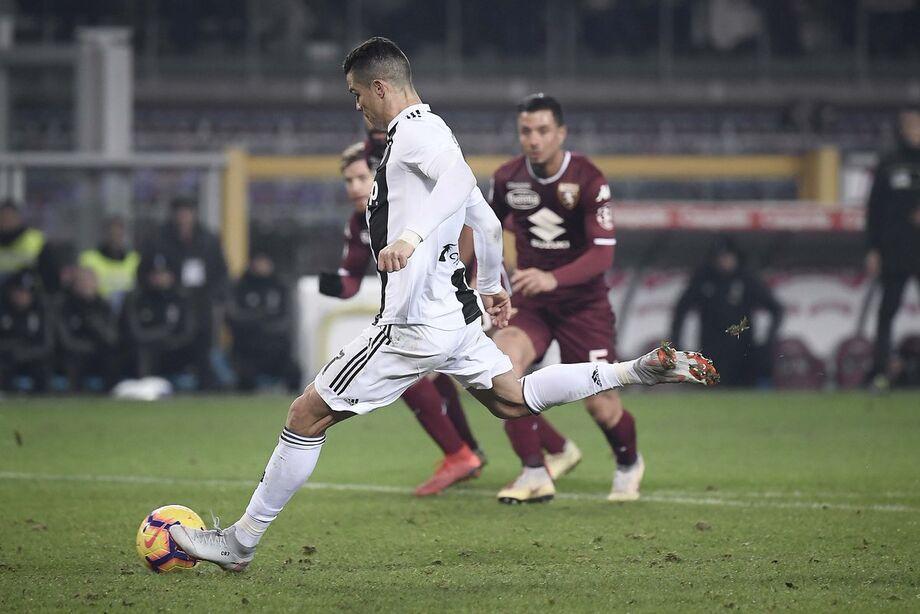 A Juventus deu mais um passo na busca do nono título consecutivo do Campeonato Italiano, neste sábado, ao derrotar o Torino, por 4 a 1, em Turim, no duelo que abriu a 30.ª rodada