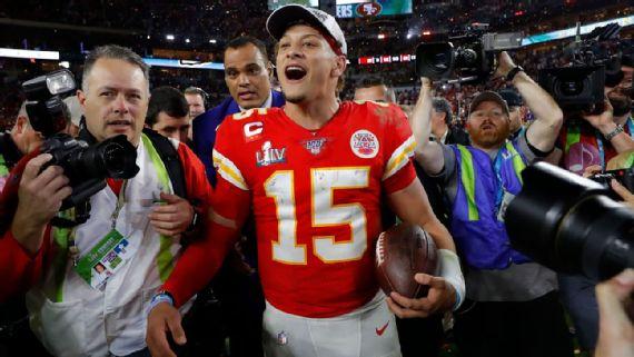 Mahomes comemora vitória dos Chiefs no Super Bowl