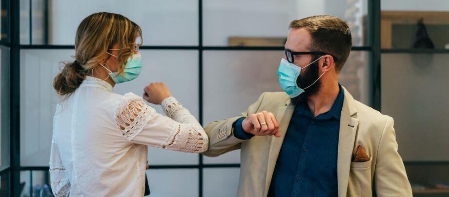 O questionário interroga se as empresas que não estavam funcionando retomariam suas atividades e se a paralisação tinha relação com a pandemia