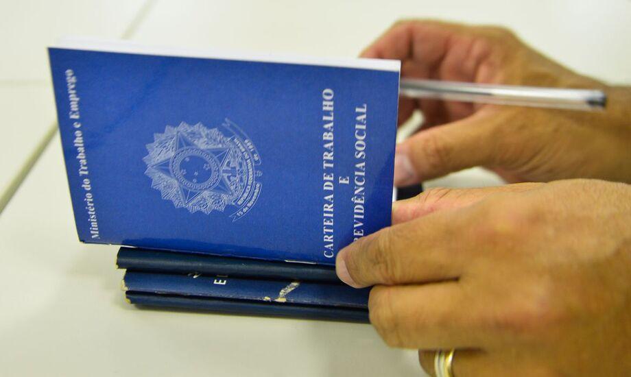 Do total de pedidos de junho, 443.492 (67,9%) foram realizados via web, seja por meio do portal gov.br ou por meio da Carteira de Trabalho Digital.