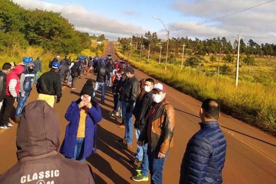 Os trabalhadores temem ficar sem emprego por demora de decisões das autoridades