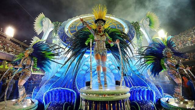 Escola de Samba Vila Isabel desfila no segundo dia do Carnaval  no sambódromo da Marquês de Sapucaí, no Rio de Janeiro