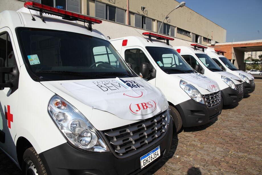 Ao todo, a JBS empenhou R$ 16,2 milhões na compra de 84 ambulâncias