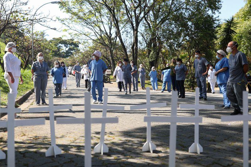 Liderando o ranking brasileiro de mortes e casos, São Paulo acumula 17.442 mortes pela covid-19