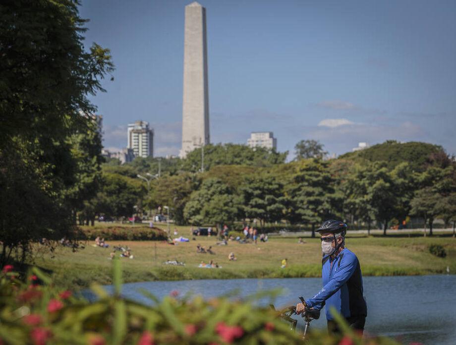 Ibirapuera e outros 69 parques reabrem em SP nesta segunda-feira, 13