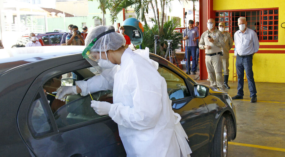 Na Capital, já foram realizados, no drive-thru, 11.865 exames, com a confirmação de 1.012 casos