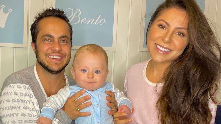 O ator, Thammy Miranda, junto da esposa, Andressa Ferreiro, e o filho do casal, Bento Ferreira de Miranda