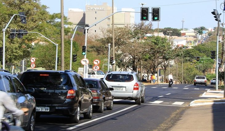 Trânsito na Av.Mato Grosso
