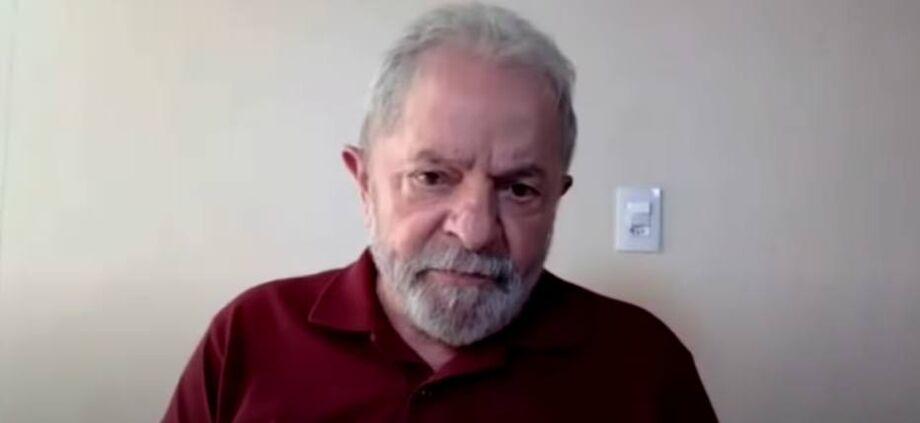 Ex-presidente Lula em reunião do Diretório Nacional do PT no dia 9 de abril