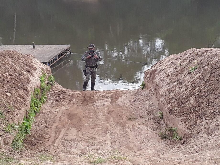Rampa para descida de barco no rio Aquidauana.
