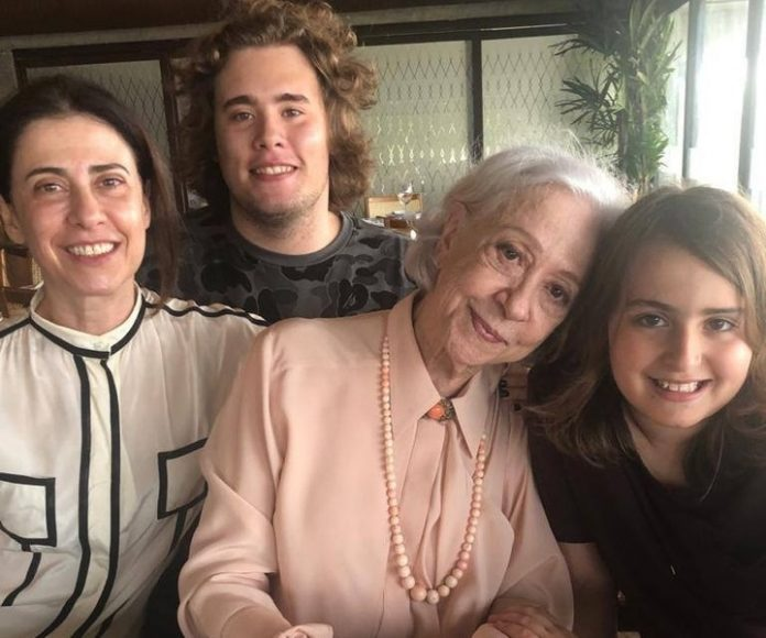 Fernanda Montenegro e família